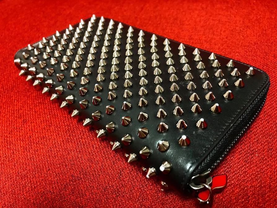 ルブタン財布